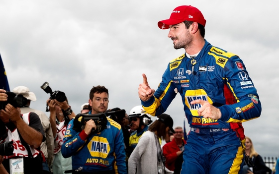 Rossi Keeps Pressure on in Championship with Dominant Victory at Pocono