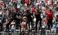 Castroneves completes sweep for Chevy, Penske