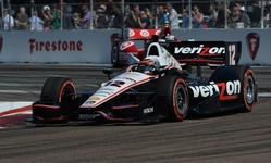 Hinchcliffe tops time sheet in first Long Beach session